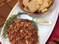 Cheeseball Pinecone Appetizer